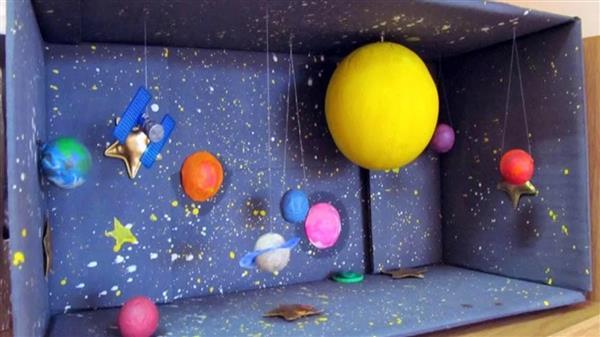sistema solar com caixa de papelão