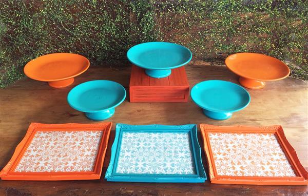 kit-festa-azul-turquesa-laranja-locacao-suporte-para-bolo-e-doces