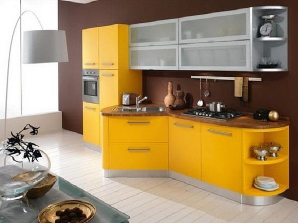 marrom com amarelo