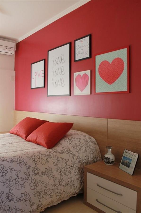 quarto casal vermelho